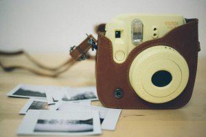 Fuji Instax Mini 8 - Kamera und Abzüge